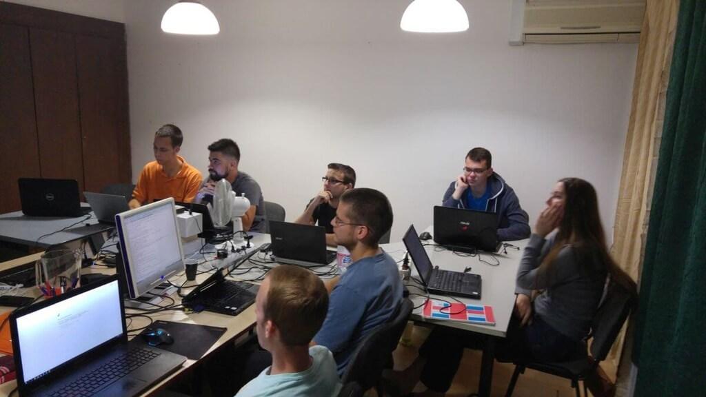 HTML, CSS, PHP, MySQL oktatás 2017 nyarán